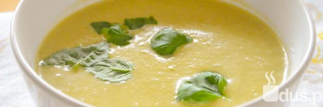 Zupa krem z brokułów, groszku i fety