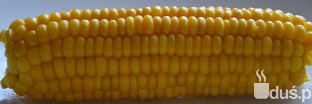 Gotowana kukurydza z masłem czosnkowym